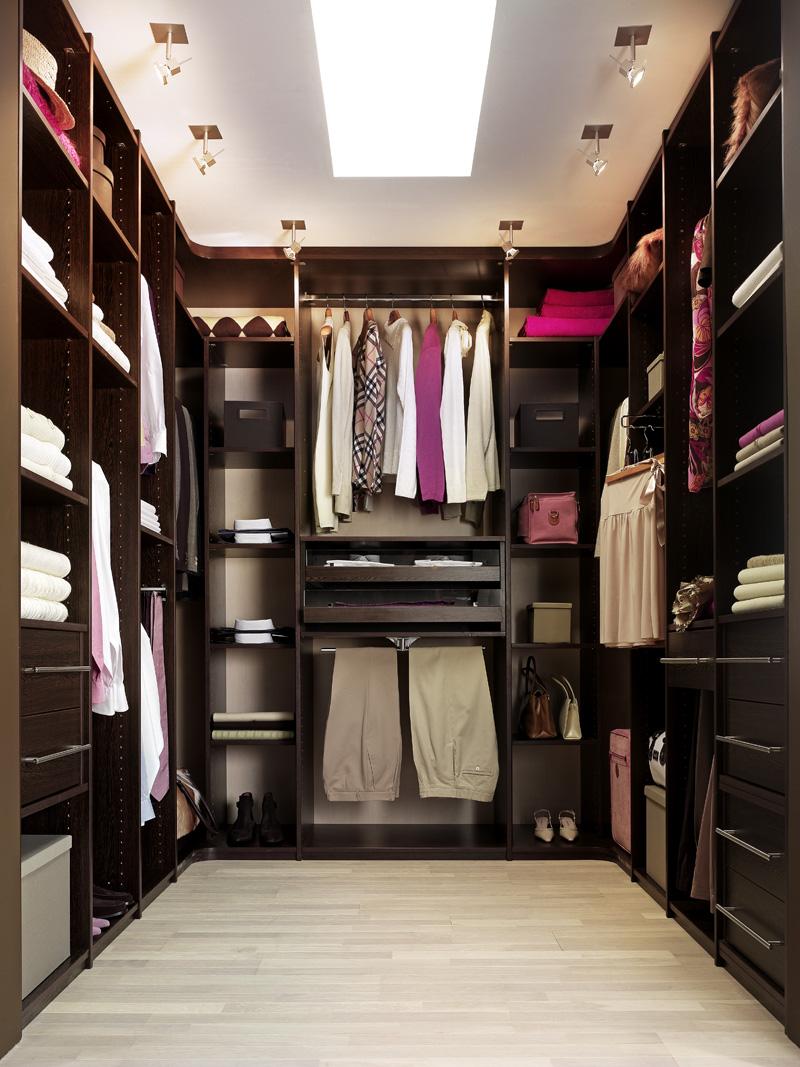 Le dressing : un meuble pour tous vos vêtements