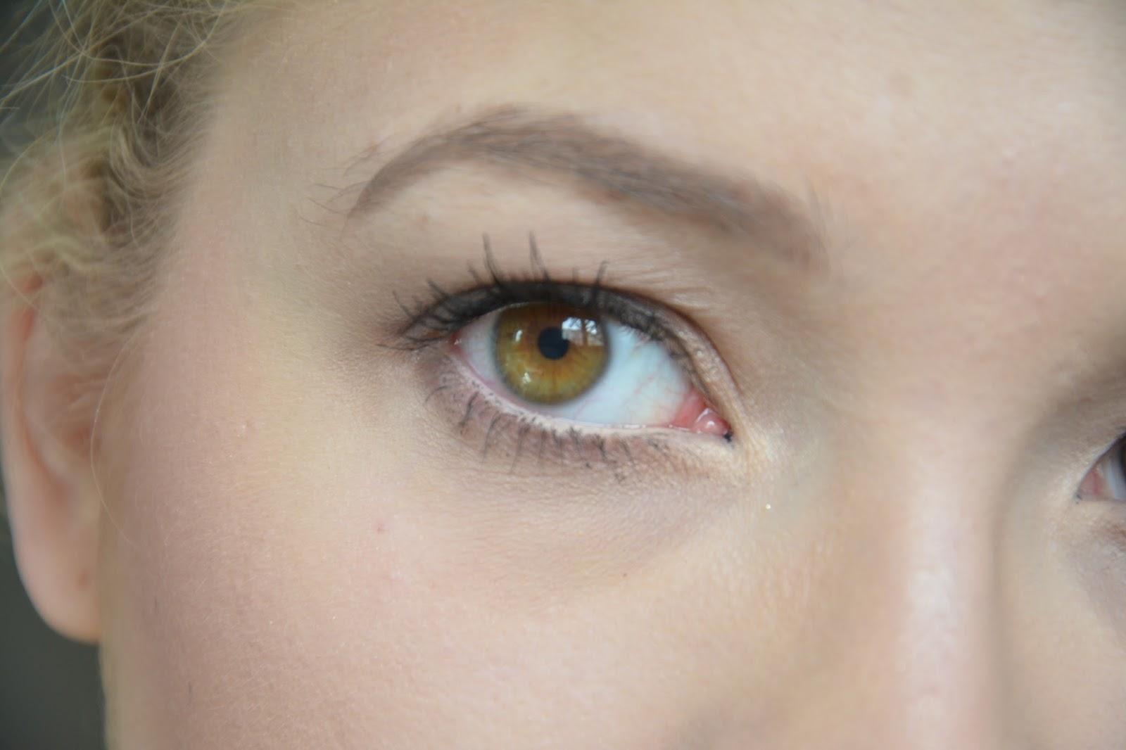 Des lentilles de couleur : elles sont géniales pour Halloween