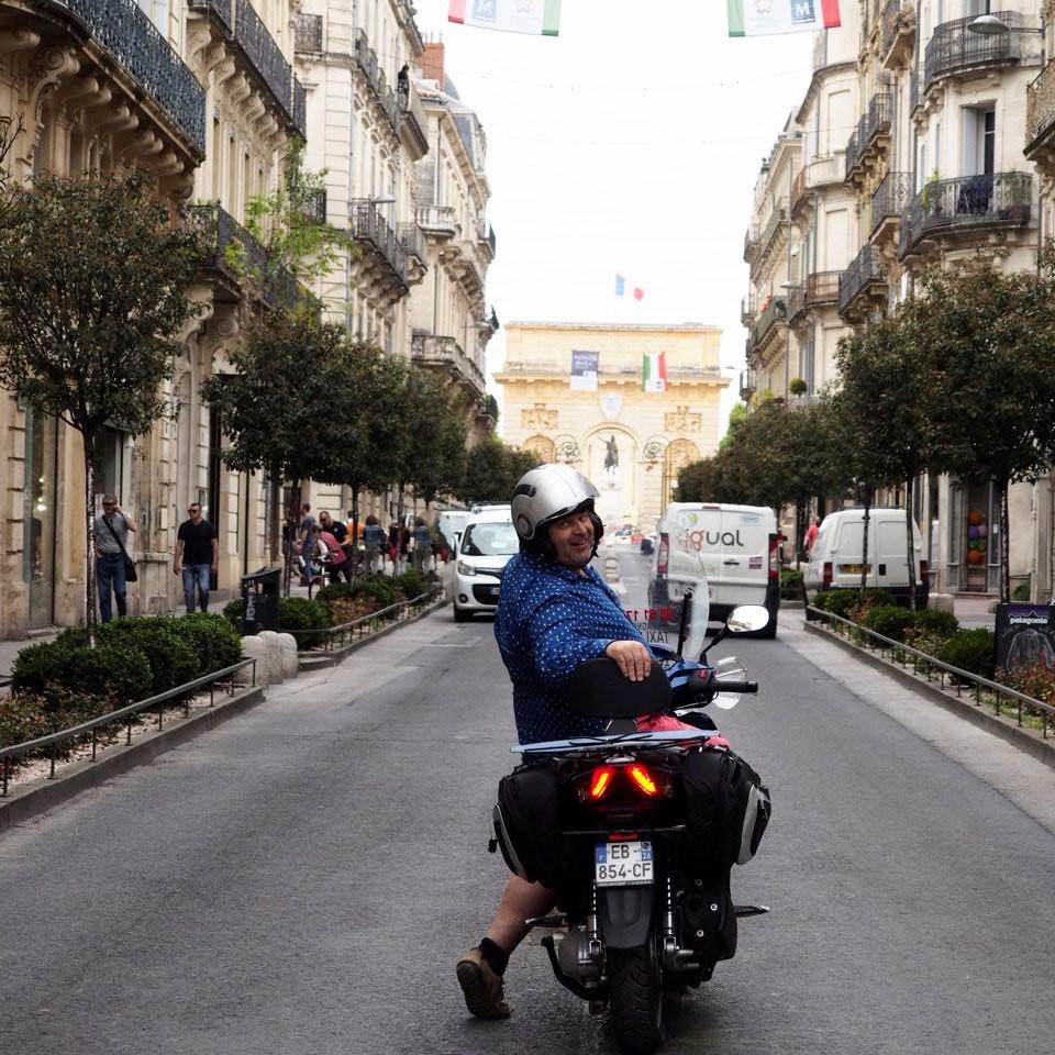 taxi moto paris je vous dis tout sur ce moyen de transport. Black Bedroom Furniture Sets. Home Design Ideas
